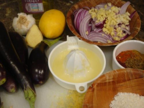 Brinjal curry ingredients © myburntorange