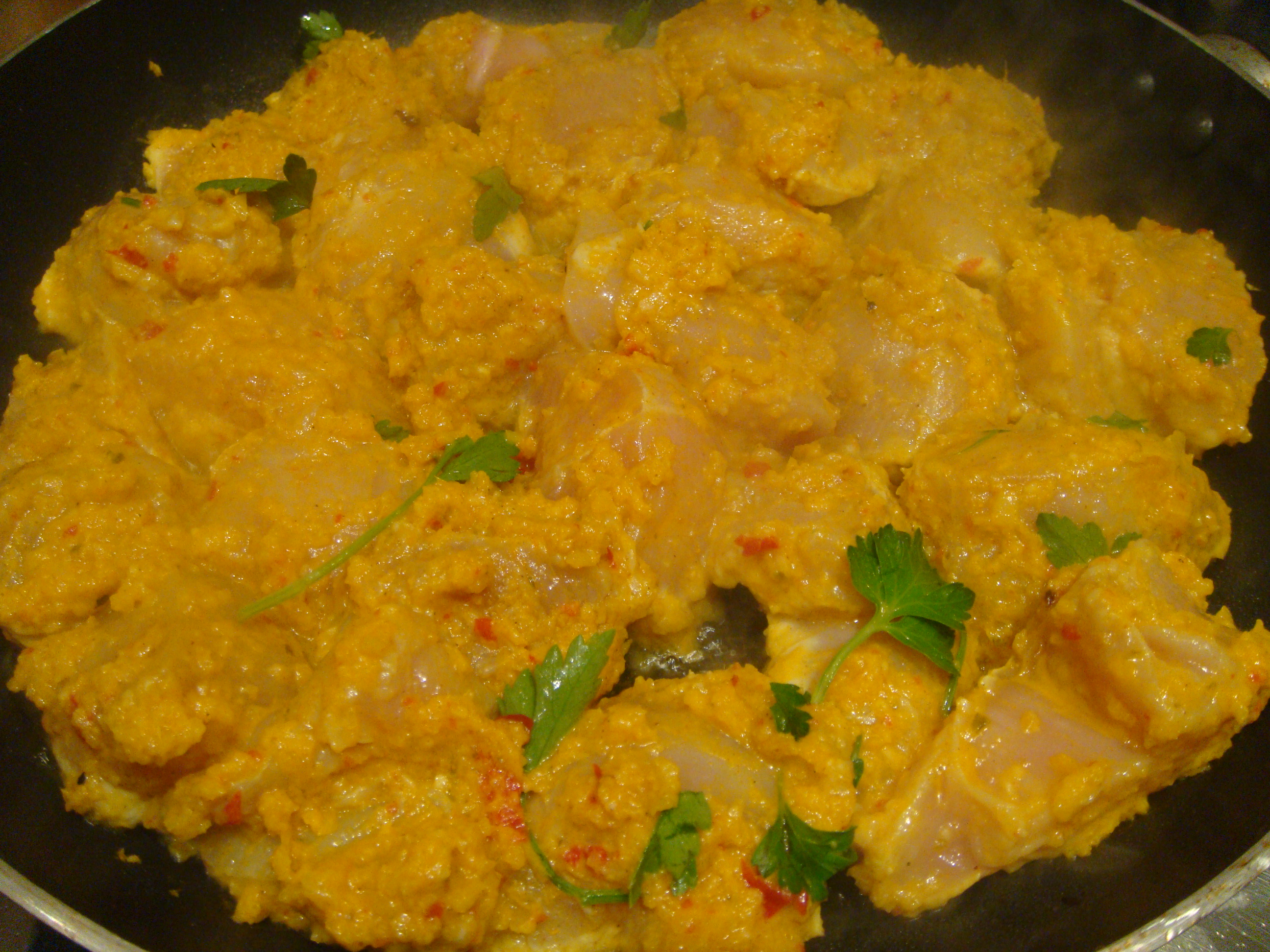 Chicken in curry marinade